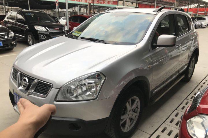 日产 逍客 2.0XL 火 6MT 2WD